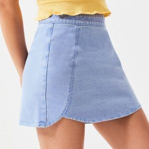Light wash Kendall & Kylie denim skirt, Size 26